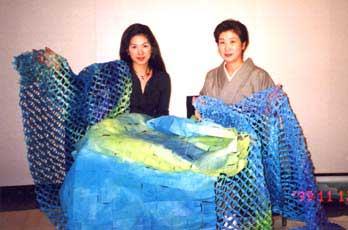 作者 伊藤夏菜(左)伊藤叡香(右)